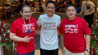 Daniel Mananta bersama rekannya saat pembukaan Restauran Padamu nNegeri di Mall Kota Kasablanka