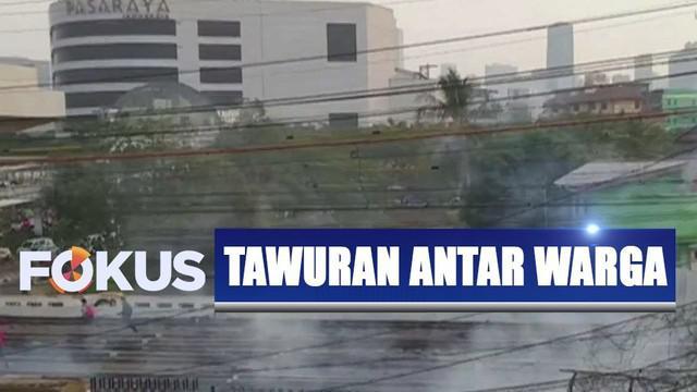 Selain jalur kereta yang sempat menjadi lokasi tawuran, ruas jalan di sekitar Jalan Sultan Agung juga sudah kembali normal.