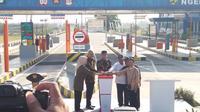 Presiden Jokowi meresmikan Jalan Tol Solo-Ngawi segmen Tol Kartasura-Sragen. (Liputan6.com/Hanz Jimenez Salim)
