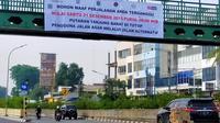 Pengumuman penutupan perlintasan sebidang kereta api Tanjung Barat. (Merdeka.com/