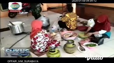 Banjir yang menerjang 4 kecamatan di Kabupaten Pasuruan, Jawa Timur, Rabu (8/1/2020) pagi, menyebabkan sejumlah sekolah diliburkan sementara. Diketahui empat kecamatan yang diterendam banjir, adalah Kecamatan Kraton, Winongan, Rejoso, dan Grati.