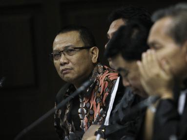 Terdakwa korupsi pengadaan dan pelaksanaan pembangunan kampus IPDN Sumbar di Kab Agam TA 2011, Dudy Jocom menjalani sidang lanjutan di Pengadilan Tipikor Jakarta, Rabu (12/9). Sidang mendengar keterangan saksi dari JPU. (Liputan6.com/Helmi Fithriansyah)