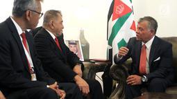 Pertemuan Menhan Ryamizard Ryacudu dengan Raja Yordania Abdullah II saat menghadiri Sofex Yordan Exhibition 2018, Selasa (8/5). Keduanya sepakat saling meningkatkan hubungan biliteral, khususnya industri pertahanan. (Liputan6.com/HO/Kemenhan)