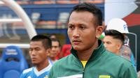 Abdul Rohim akan menggantikan Miswar Saputra saat Persebaya melawan Arema, Jumat (12/4/2019) pada leg kedua final Piala Presiden 2019. (Bola.com/Aditya Wany)