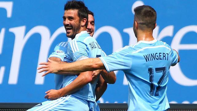David Villa mencetak 2 gol saat Andrea Pirlo menjalani debut di Major League Soccer bersama New York City FC.