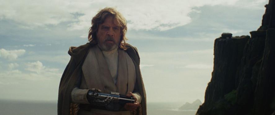 Luke Skywalker di planet Ahch-To dalam Star Wars: The Last Jedi. (Disney/LucasFilm)