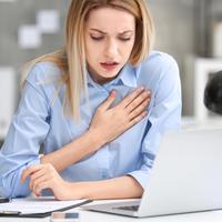 5 Gejala Dini Serangan Jantung yang Wajib Anda Tahu (new Africa/Shutterstock)