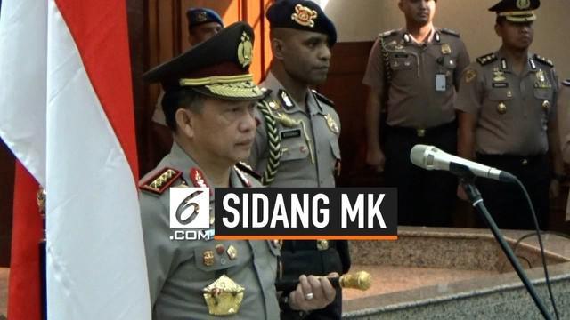 Kapolri Jendral Pol. Tito Karnavian menegaskan akan melarang demonstrasi yang ingin dilakukan di sekitar gedung MK menjelang sidang putusan sengketa Pilpres 2019.
