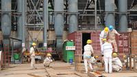 Sejumlah karyawan PT. IMIP tengah bekerja, Kamis (23/1/2020). (Foto: Liputan6.com/Istimewa/Heri Susanto)