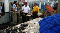 Menteri Hukum dan HAM Yasonna Laoly mengunjungi Rutan Siak usai kerusuhan dan pemkabaran oleh tahanan. (Liputan6.com/M Syukur)
