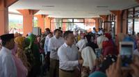 Aswari Rivai berpamitan dengan para warga Kabupaten Lahat untuk maju di Pilkada Sumsel (Liputan6.com / Nefri Inge)