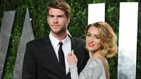 Tak disangka, bercandaan Miley Cyrus itu malah ditanggapi secara positif oleh keluarganya. Seorang sumber mengatakan pihak keluarga malah ingin Miley cepat-cepat hamil. (AFP/Bintang)