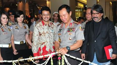 Kapolri Jenderal Sutarman membuka pameran Foto Pilpres 2014 di Mall Casablanca, Jakarta, Kamis (6/11/2014)(Liputan6.com/Johan Tallo)