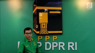 Wakil Sekjen PPP Achmad Baidowi memberi pemaparan mengenai Workshop Nasional DPRD F-PPP se-Indonesia di Jakarta, Jumat (11/5). Workshop akan digelar di Hotel Mercure Ancol pada 13-15 Mei 2018. (Liputan6.com/JohanTallo)
