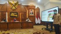 Pemprov Jatim berkolaborasi dengan Nusantara Innovation Forum dan Solve Education membuat game edukasi berjudul Dawn of Civilization: Solve Corona. (Foto: Liputan6.com/Dian Kurniawan)
