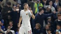 Edin Dzeko gagal eksekusi penalti lawan Genoa (AP/Frank Augstein)