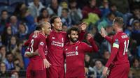 Bek Liverpool, Virgil van Dijk, berselebrasi setelah mencetak gol ke gawang FC Porto pada leg kedua perempat final Liga Champions 2018/2019 di Estadio do Dragao, Rabu (17/4).  (AP Photo/Luis Vieira)