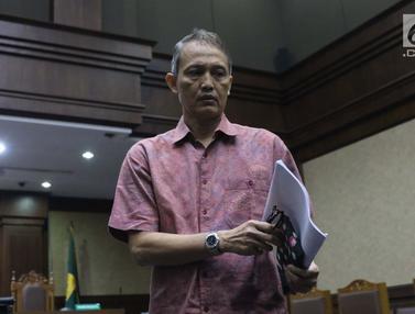 Didakwa Terima Suap, Mantan Direktur Krakatau Steel Jalani Sidang Perdana