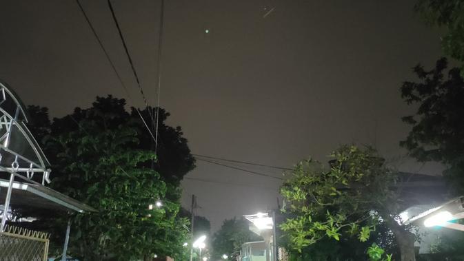 Hasil foto Realme X saat malam hari tanpa fitur Nightscape (Foto: Andina Librianty/Liputan6.com)