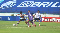 Harrison Cardoso tampil memukau dengan memborong dua gol kemenangan Persita Tangerang. (Bola.com/Nandang Permana)