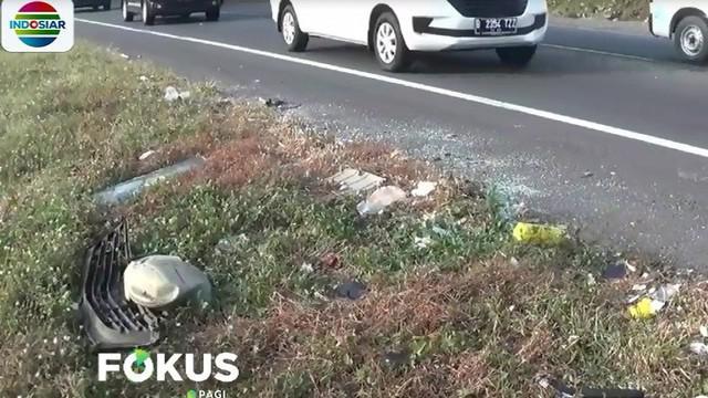 Ketua RT di Watubelah mendapat cerita dari adik Amsor diduga penyerangan terhadap bus safari tersebut bermotif gangguan kejiwaan.