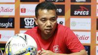 Rasiman akan mendampingi Madura United dalam laga versus PSIS Semarang di Stadion Gelora Madura, Pamekasan, Sabtu (24/8/2019). (Bola.com/Aditya Wany)