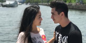 Akhirnya Verrell Bramasta dan Natasha Wilona mengaku jika mereka sedang menjalin hubungan asmara. Awalnya mereka mengaku jika hubungannya hanya sebatas sahabat. (Foto: instagram.com/bramastavrl)