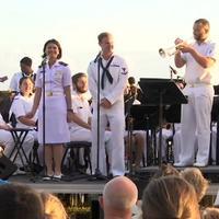 Para Angkatan Laut AS, Australia dan Indonesia kompak bawakan lagu Akad. (US Embassy)