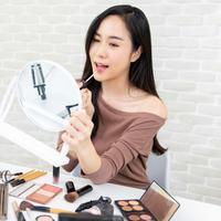 Tips Padu Padan Makeup Sesuai Dress yang Dipakai, Biar Cantik di Berbagai Occasion