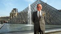I M Pei, arsitek di balik bangunan termasuk piramida kaca di luar Museum Louvre Paris. (AFP)