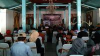 Saresehan budaya bertajuk Nilai-Nilai Spiritualitas Kanoman di Cirebon, dalam rangkaian Festival Keraton Nusantara XI. (Liputan6.com/Panji Prayitno)