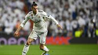 1. Gareth Bale - Sepeninggal Ronaldo, otomatis Real Madrid bergantung kepada Bale di sektor lini depan. Terbukti 11 laga sudah dilakoni pemain timnas Wales tersebut. (AFP/Joe Klamar)