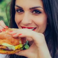 Sederet hidangan berkalori tinggi yang sering jadi favorite para cewek. (Sumber Foto: Shutterstock)