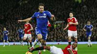 Cesar Azpilicueta tampil sebagai pemain terbaik pada laga antara Manchester United melawan Chelsea di Old Trafford, Selasa (29/12/2015) dini hari WIB. (Reuters/Carl Recine)
