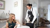 Tidak sedikit orang, khususnya para ibu rumah tangga memiliki keresahan jika harus ditinggal oleh asisten rumah tangga. Berikut tipsnya