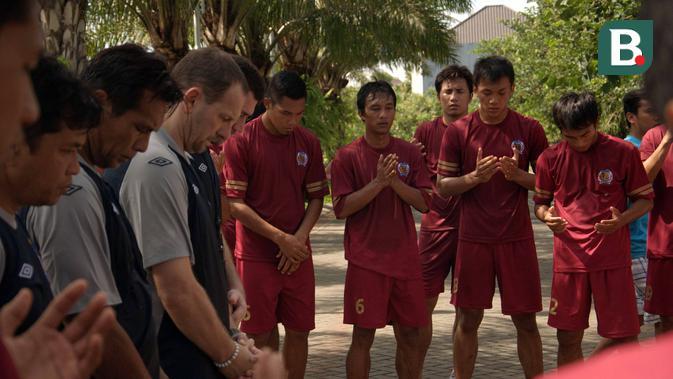 Dejan Antonic memimpin Arema Indonesia yang tampil di Indonesia Premier League 2012. (Bola.com/Iwan Setiawan)