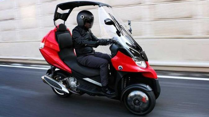 Keren, Motor Roda Tiga Ini Punya Fitur Seperti Mobil