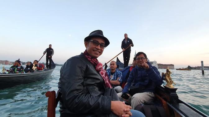 Zakomo harus melalui berbagai tes untuk mendapatkan lisensi sebagai gondolier atau pendayung gondola (Marco Tampubolon / Liputan6.com)