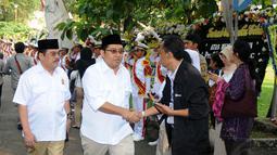 Wakil Ketua Umum Partai Gerindra, Fadli Zon (kedua dari kiri) datang ke persemayaman Alm Suhardi di DPP Partai Gerindra, (29/8/2014). (Liputan6.com/Helmi Fithriansyah)