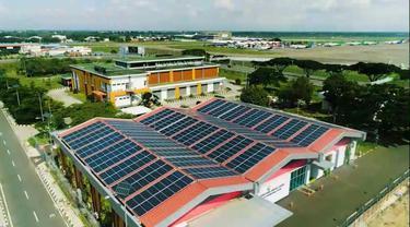 Pembangkit Listrik Tenaga Surya (PLTS) di Gedung Airport Operation Control Center (AOCC) Bandara Soekarno Hatta