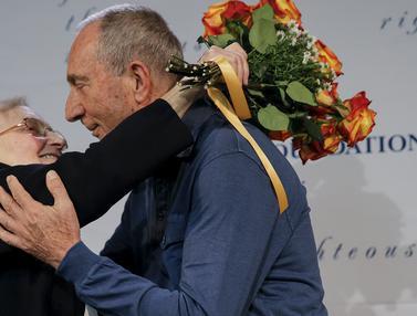 20151203-Kedua Orang Ini Kembali Bertemu Setelah 70 Tahun Terpisah