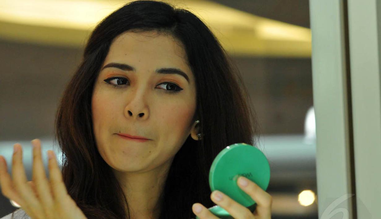 Aktris sinetron Dinda Kanya Dewi memilih perawatan kecantikan secara alami. (Liputan6.com/Andrian M Tunay )