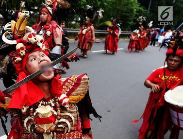 Atraksi Tatung Meriahkan Perayaan Cap Go Meh di Petojo