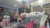 Kodam III Siliwangi turun tangan mengusut keterlibatan anggota TNI dalam kasus pembuangan limbah medis ke Sungai Citarum. (Liputan6.com/Aditya Prakasa)