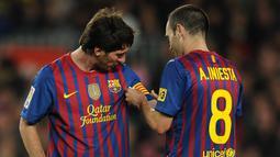 2. Andres Iniesta (489 laga) - Gelandang andal yang pernah dimiliki Barcelona ini memiliki merupakan salah satu pemain yang dekat dengan Lionel Messi selama di Barcelona. Iniesta telah memainkan 489 laga bersama Messi di Barcelona. (AFP/Lluis Gene)