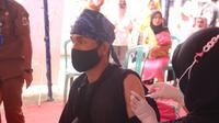 Warga Baduy Luar Saat Di Suntik Vaksin Covid-19. (Dokumentasi Humas Polda Banten)