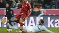 Christoph Metzelder saat masih memperkuat Schalke (AFP/CHRISTOF STACHE)