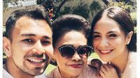 Raffi Ahmad mengunggah foto momen Lebaran bersama Nenek Popon (Liputan6/Instagram).