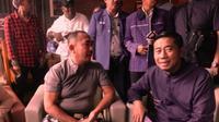 Tokoh masyarakat Sultra, Umar Samiun (kiri) bersama tokoh masyarakat Sulawesi Barat.(Liputan6.com/Ahmad Akbar Fua)
