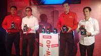Motul Indonesia merilis pelumas mesin Moto 4T 10W-40 untuk motor 4-Tak. (Septian / Liputan6.com)